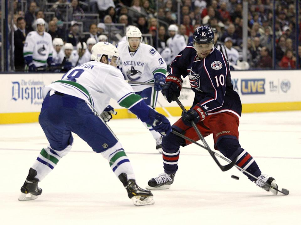 Umberger lifts Blue Jackets over Canucks 3-1