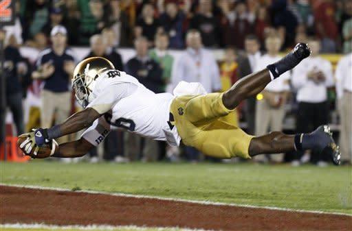 No. 1 Notre Dame beats USC 22-13, earns title shot