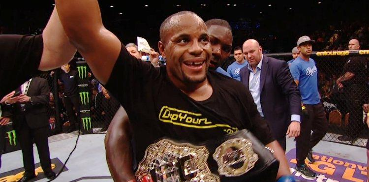 UFC 187 Results: Daniel Cormier Crowned New Champ, Sends Message to Jon Jones