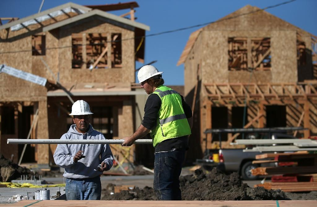 US economic growth slows to 2.2% in fourth quarter