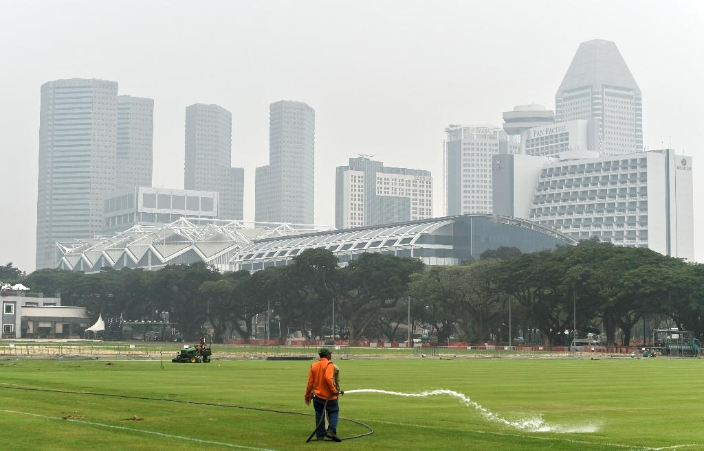 Singapore banks urged to curtail loans to haze-linked firms