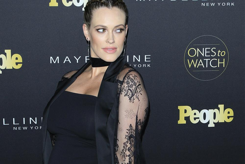 """DWTS Pro Peta Murgatroyd Shows Off a """"Real Life"""" Post-Baby Body"""