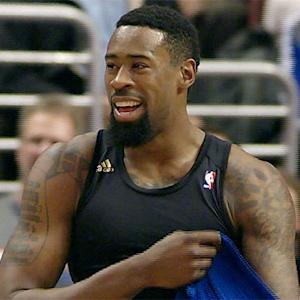 DeAndre Jordan suffers wardrobe malfunction