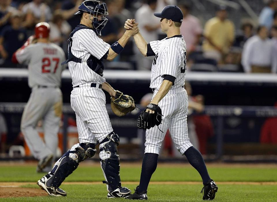 Minus Rivera in 9th, Yankees close out Angels 2-1