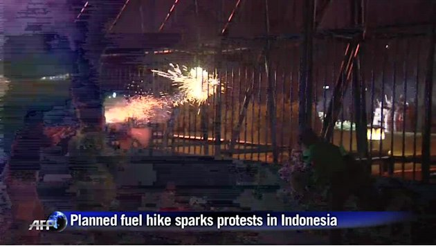 Indonesia: planned fuel hike sparks protests