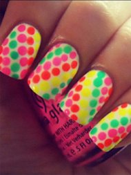 Twitter @dutch_nail_art