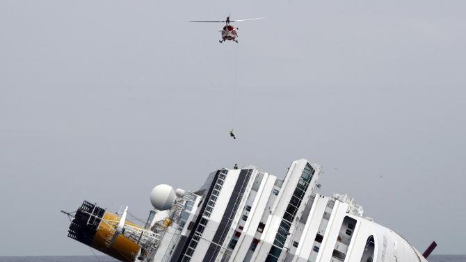 US lawsuits target Carnival in Italy cruise crash