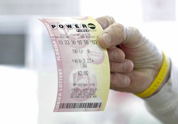 Numbers drawn for $360M Powerball jackpot - Yahoo! News