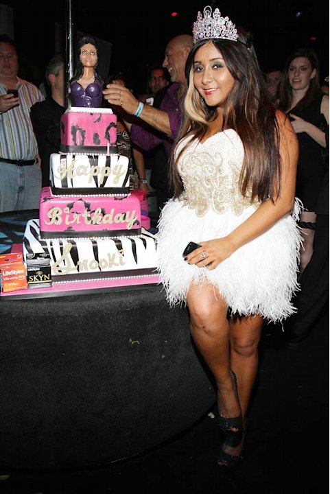 Snooki With Birthday Cake