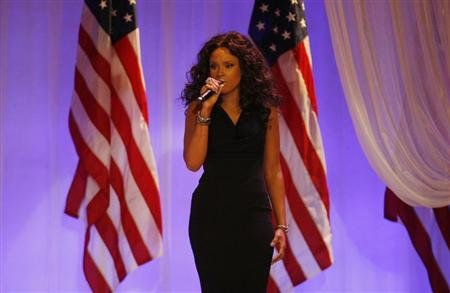 Jennifer Hudson performs at the Commander in Chief's Ball in Washington, January 21, 2013. REUTERS/Rick Wilking