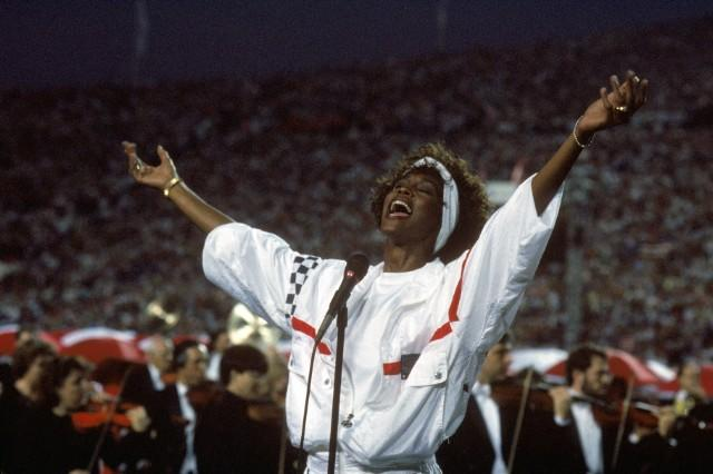 """Whitney Houston's Version Of The """"Star-Spangled Banner"""" Is Still Amazing 25 Years Later"""