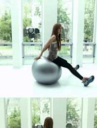 Hyo Min T-ara Fitnes Dengan Bola Gym Besar
