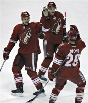 Coyotes knock off Sharks 2-1