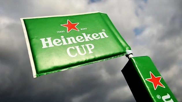 Rhodri Williams scored a late try but Scarlets lost to Clermont Auvergne in the Heineken Cup.