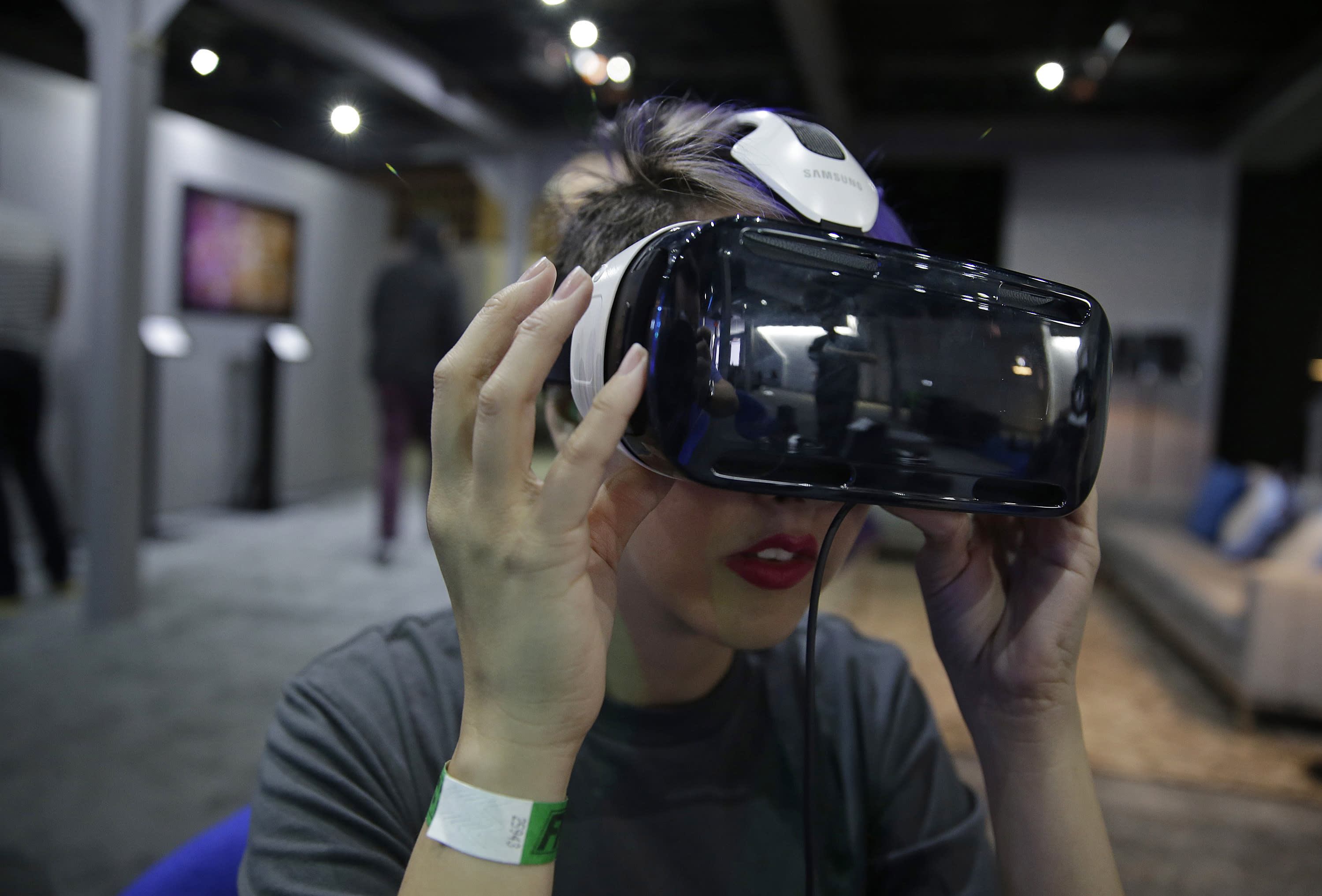 Hollywood dipping toes into virtual reality worlds