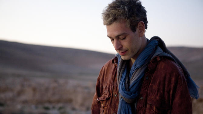 """FILE - This undated photo provided by Thirty Tigers shows Hassidic Jewish musician Matisyahu. The raggae singer's """"Happy Hanukkah"""" was the most viral track on Spotify for the week of Dec. 10, 2012. (AP Photo/Thirty Tigers, Mark Squires, File)"""