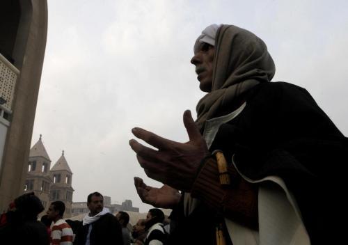 funerale in Egitto si trasforma in festa