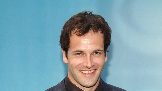 Johnny Lee Miller at the CBS 2006/2007 Upfront.