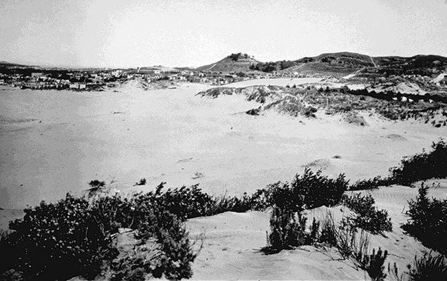 Richmond dunes 1890s 670.jpg