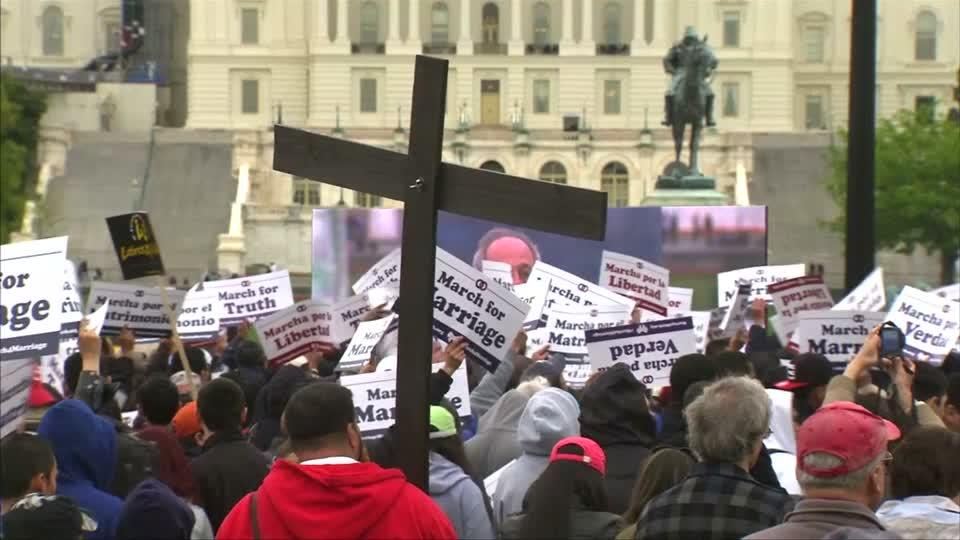 Thousands march in US capital against gay marriage