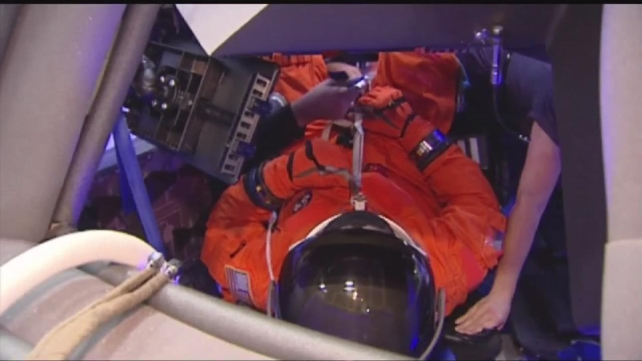 Commercial space rides for U.S. astronauts to save millions: NASA
