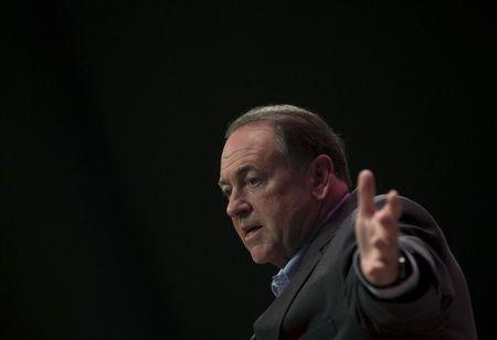 Mike Huckabee looks to social conservatives to power 2016 bid