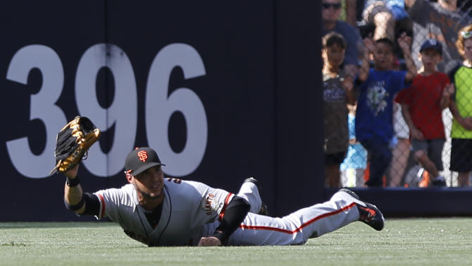 Belt's homer in 10th lifts Giants over Padres 5-3