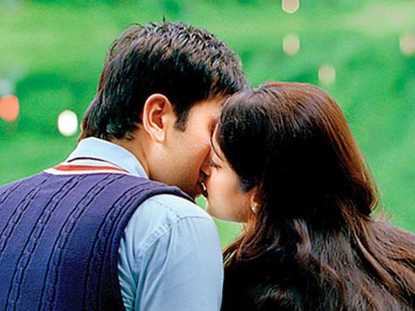 Image courtesy : iDiva.comRanbir Kapoor and Ileana D'Cruz: The kiss between Ranbir and Ileana in Barfi had to be mentioned! One of the cutest kisses ever. Related Articles - Top 10 hot movie scenesVot