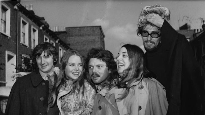 "FILE - In an Oct. 6, 1967 file photo Scott McKenzie, center, poses with  ""The Mamas And The Papas"" in  London. From left to right are Denny Doherty, Michele Gillian, Scott McKenzie, Cass Elliott and John Phillips.  (AP Photo/Worth)"