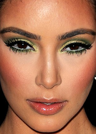 Kim Kardashian wears a LOT of makeup. Photo courtesy of celebritycloseup.tumblr.com