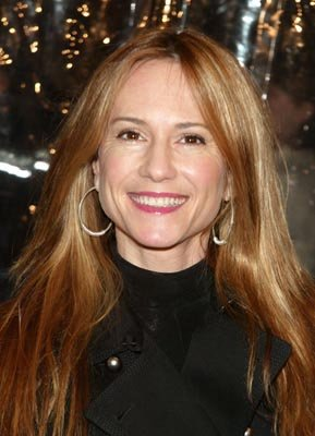 Holly Hunter at the New York premiere of Revolution's Mona Lisa Smile