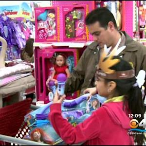 'Heroes & Helpers' Pairs Cops With Students For Holiday Shopping Trip