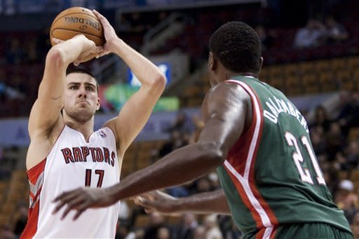 DeRozan, Bargnani lead Raptors past Bucks, 104-95