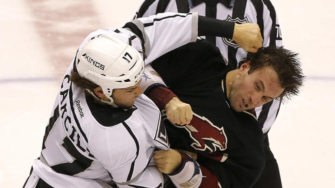 Smith, Coyotes beat Kings 3-1 to avenge ugly loss