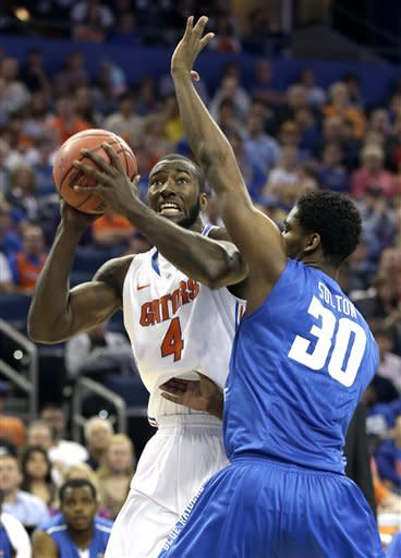 Gators pull away to rout Middle Tennessee