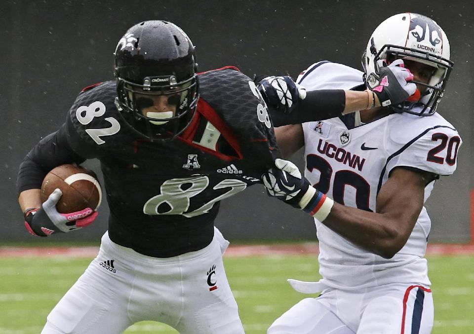 Kay throws 4 TDs, Cincinnati beats UConn 41-16