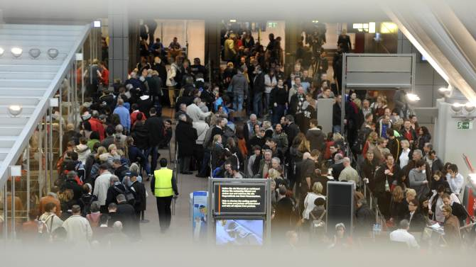 Flights canceled as strikes hit 2 German airports