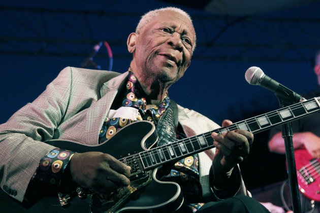 FILE - In this Aug. 22, 2012 file photograph, an 86-year-old B.B. King performs at the 32nd annual B.B. King Homecoming, a concert on the grounds of an old cotton gin where he worked as a teenager many years ago, in Indianola, Miss. Elvis Costello, B.B. King and Ray Davies are among the nominees for the 2013 Songwriters Hall of Fame. Songwriters Hall gave The Associated Press a list of nominees in advance, but won't officially announce them until Oct. 16. The gala takes place June 13, 2013 in New York. (AP Photo/Rogelio V. Solis)