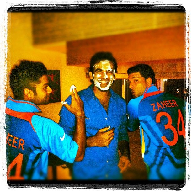 Zaheer Khan brings in his 34th Birthday with Yuvraj Singh and Virat Kohli (picture courtesy: Yuvraj Singh on Twitter)