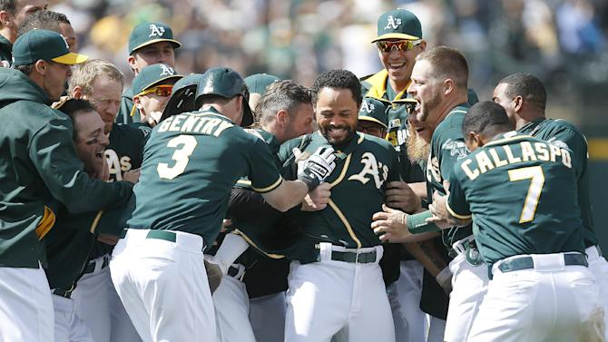 A's win in 10th on Crisp walkoff hit