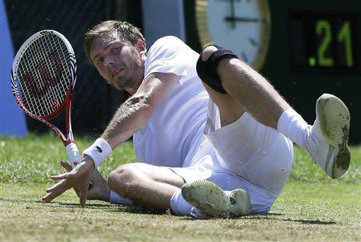 Mahut beats Hewitt in Newport grass-court final