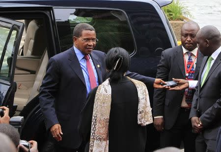 Tanzania's President Kikwete arrives to attends the Africa Union Peace and Security Council Summit on Terrorism in Nairobi