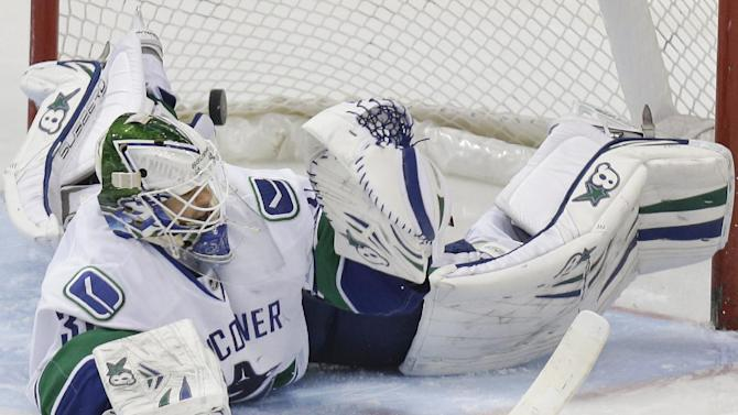 Seguin has 5 points as Stars beat Canucks, 6-1