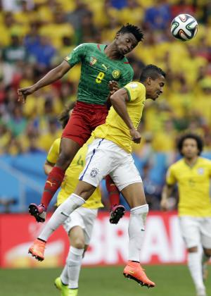 Luiz Gustavo in charge of the hard work for Brazil