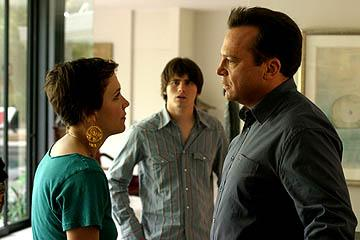 Maggie Gyllenhaal as Jade, Jason Ritter as Otis and Tom Arnold as Frank in Lions Gate's Happy Endings