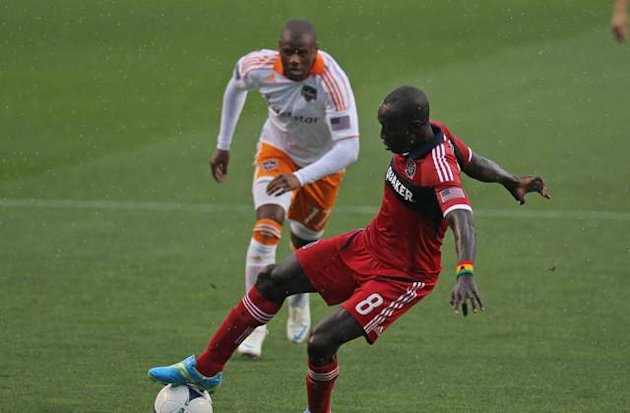Columbus Crew trade for Chicago Fire's Dominic Oduro