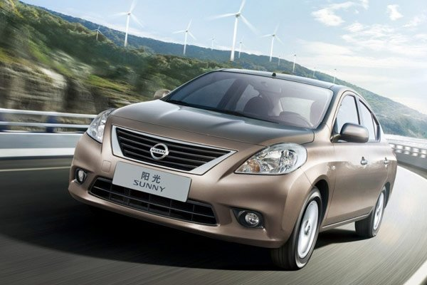 2011-Nissan-Sunny-Front-Angle-View-800x600