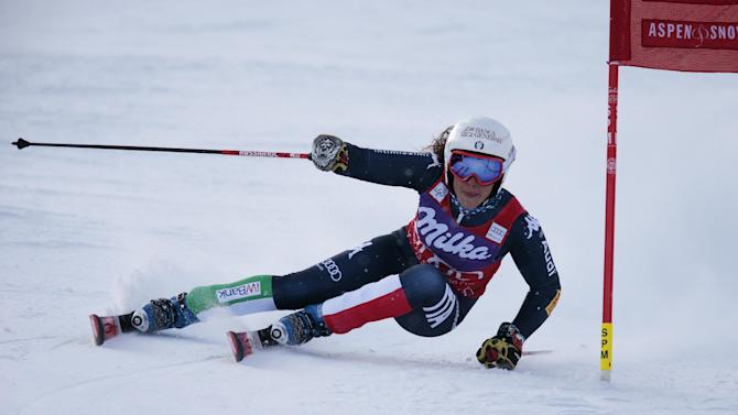 Italy's Federica Brignone speeds down the course during the women's World Cup giant slalom ski race Friday, Nov. 27, 2015, in Aspen, Colo. (AP Photo/Nathan Bilow)