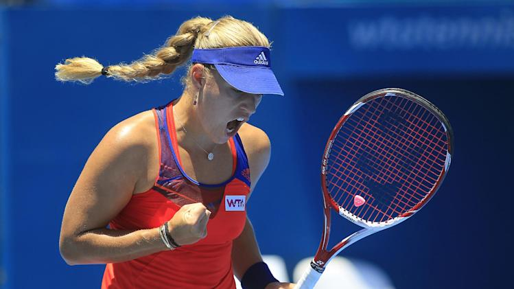 Wozniacki, Kerber advance at Sydney International