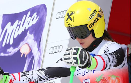 Gut wins WCup downhill, Fenninger leads overall
